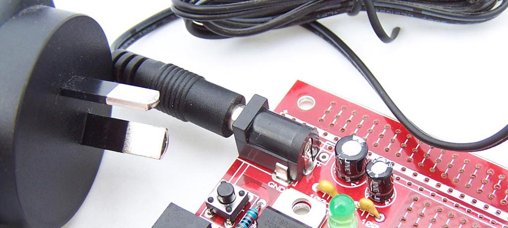 5 ways to power an AVR 28 pin board